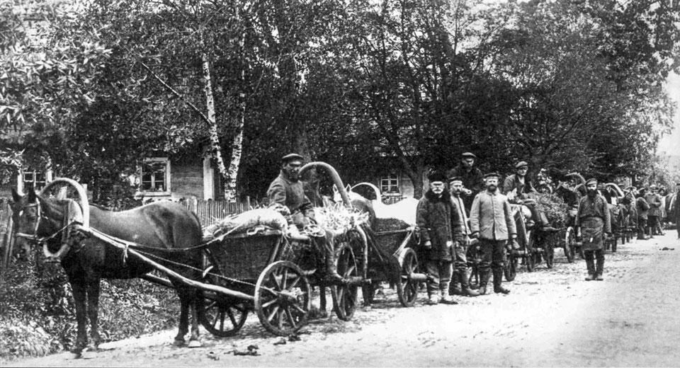 Targ w Białowieży, 1917, zdjęcie Piotra Bajko, źródło Czasopis 10.2014