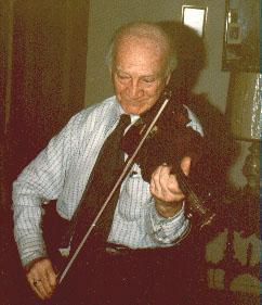 Abe Schneider, skrzypek, urodzony w Białowieży, na emigracji w USA. Zdjęcie ze zbiorów rodziny.