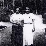 Berta Alkon (z lewej). Zdjęcie z Yad Vashem