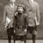 Bracia Schneider w USA. Wiliam, Sol i Abe (urodzony w Białowieży), zdjęcie ok 1910-13, USA. Zdjęcie ze zbiorów rodziny