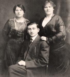 Roza, Sam i Paulina Feldbaum, lata 20. po emigracji do USA. Zdjęcie ze zbiorów rodziny