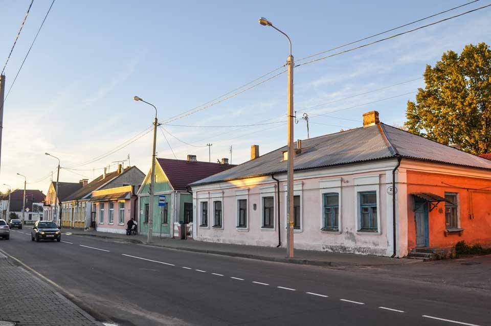 Kobryń, teren getta, zabytkowe domy przy ulicy Pierwszomajowej. 2015, fot. Katarzyna Winiarska
